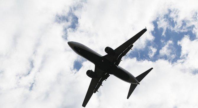 Буйна пасажерка принуди самолет на Луфтханза да кацне в Исландия
