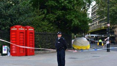 9 души бяха арестувани в Лондон за побой над кандидатстващ за убежище млад кюрд