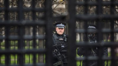 Арестуваха още шест души за побоя над кандидат за убежище в Лондон