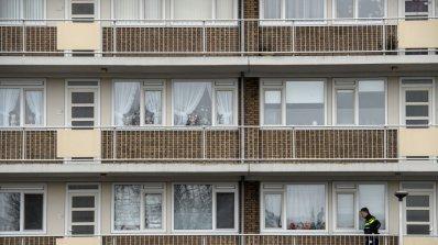 Блок се срути в Полша, двама загинаха