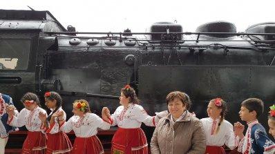 """Над 1000 туристи пожелаха да се повозят с """"Баба Меца"""" (снимки+видео)"""