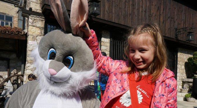 Великденска работилница зарадва децата във Варна (снимки)