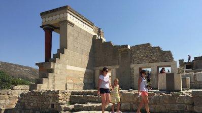 Колоритните селца на Крит