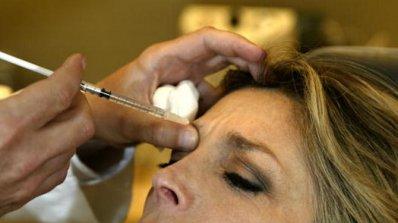 Зъболекари опъват бръчки на черно