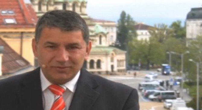 Байрактаров: Толкова ми е добре, че не съм в парламента