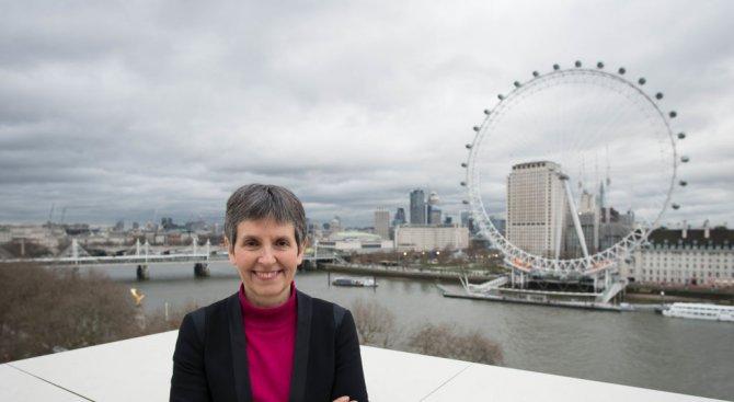 Шефката на Скотланд Ярд обяви открито, че е лесбийка и има връзка с колежка