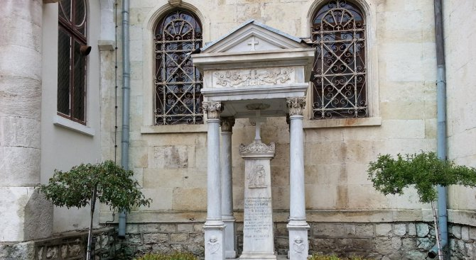 Уникален паметник се нуждае от ремонт (снимки)