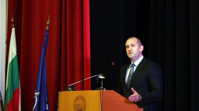 Румен Радев: Армията ни е в преломен момент (снимка)