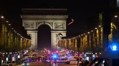 Стрелба в центъра на Париж, убит е полицай (видео+галерия)