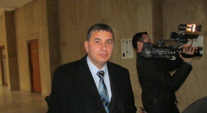Байрактаров е на мнение, че бъдещият кабинет не смята да се справя с бедността