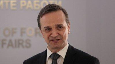Външният ни министър: Насилието не е начин за решаване на проблема в Македония
