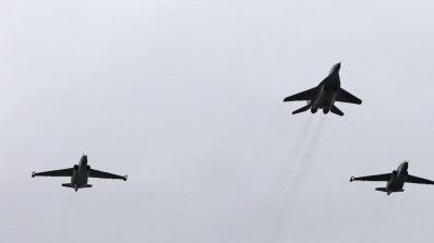 Демонстрират военновъздушните способности на американска летателна техника