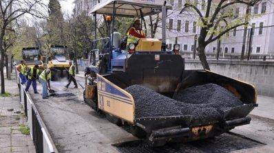 Запълват дупките по улиците в Кърджали