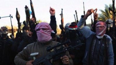 Най-малко 46 души са загинали при нападението на ИД срещу бежански лагер в Сирия