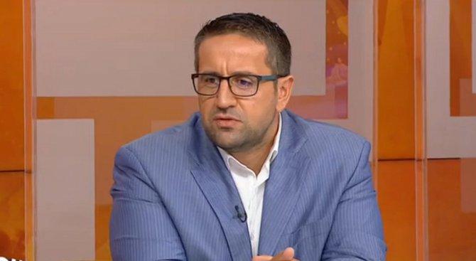 Георги Харизанов: Нинова прояви тежка форма на лицемерие
