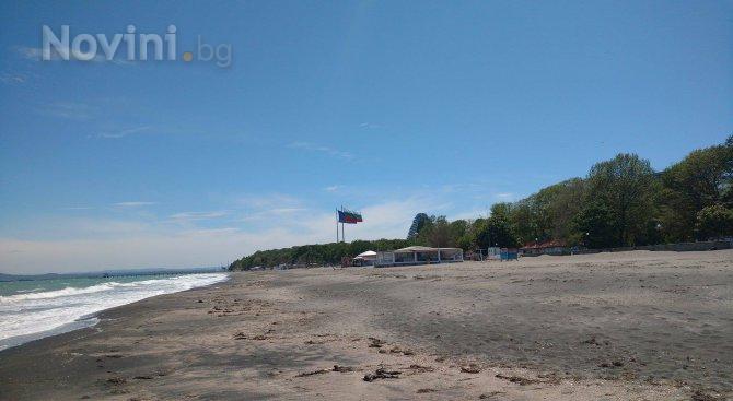 Намаляват неохраняемите плажове (снимки)