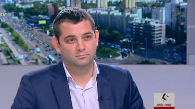 Димитър Делчев: Борисов иска като вожд на племето тутси да изяде всички