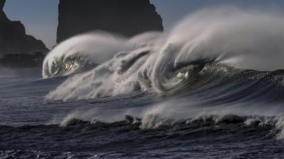 Гигантска 20-метрова мегавълна е измерена край Антарктида