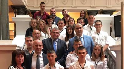 Цветанов се срещна с ученици от Гоце Делчев (снимки)