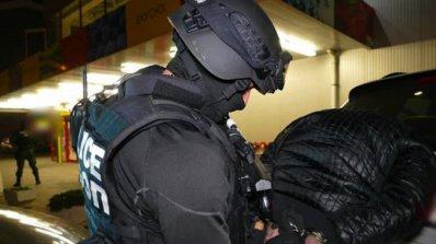 Разбиха българо-испанска банда, клонирала банкови карти (видео)