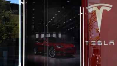 Tesla водят преговори за първата си фабрика в Китай