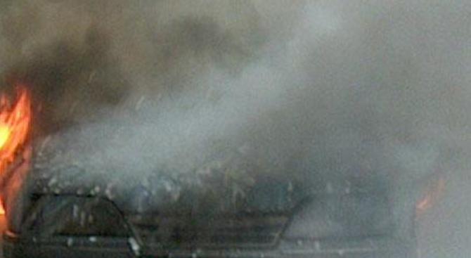 Кола изгоря на паркинг тази нощ в Благоевград