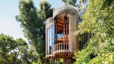 Идилична къща сред гората (снимки)