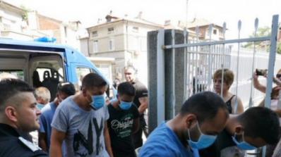 Биячите на деца в Асеновград остават в ареста, въпреки че имат своя версия за случилото се (обновена