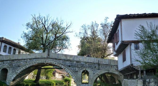 Предприемат се мерки за опазване на Гърбавия мост в Харманли