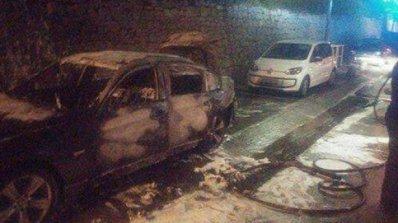 """Ето как изглежда запалената кола на """"сини"""" фенове в Задар (снимка)"""