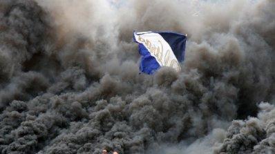 """Мелета в Хърватия, изгориха кола на левскари, арестуваха 20 от """"сините"""" фенове"""