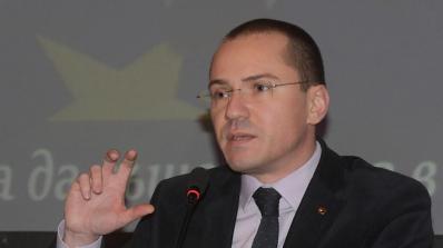 Джамбазки: Има опасност от провокация в Македония