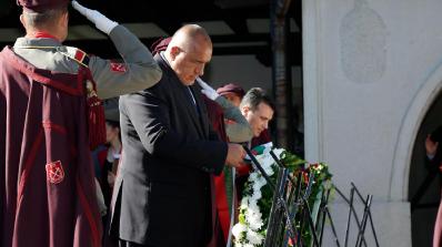 Исторически момент! Бойко Борисов положи венец пред гроба на Гоце Делчев  (снимки+видео)