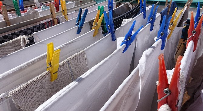 Сушенето на дрехи на закрито е вредно за здравето