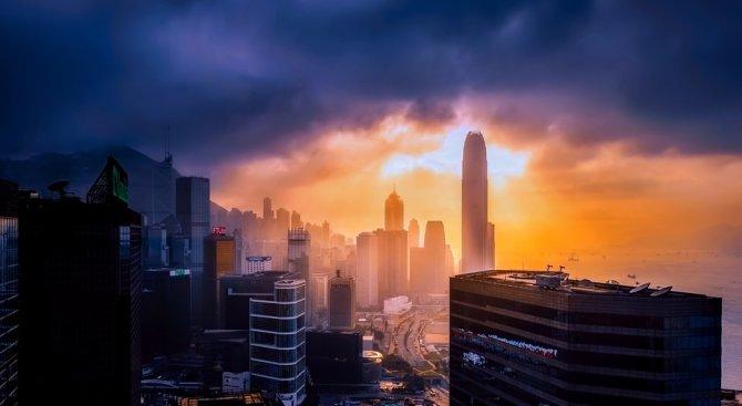 Трима пострадали са в болница след мощния трус в Северозападен Китай (видео)