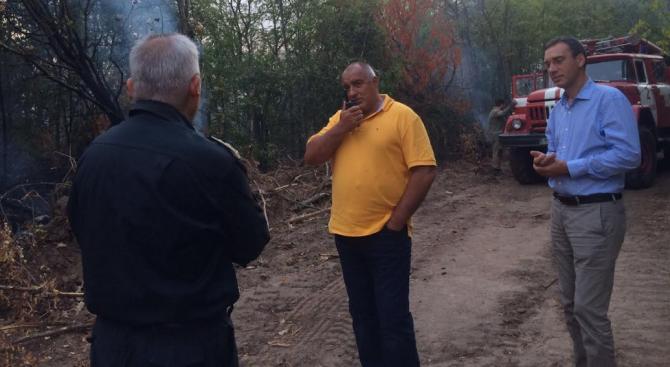 Борисов се запозна на място с дейностите за справяне с пожара в Хасковска област