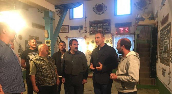 Цветан Цветанов поздрави жителите на с. Медени поляни с Курбан Байрям (снимки)