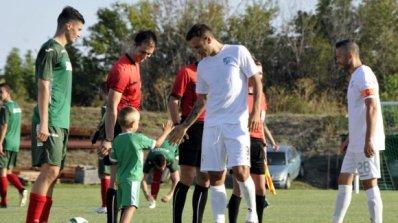 Бербатов отново игра за отбор от Първа лига