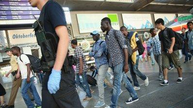 Четирима мигранти са арестувани в Италия във връзка с брутални две изнасилвания