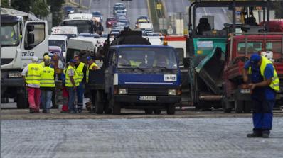 Правителството отпуска 100 млн. лева за спешни пътни ремонти (видео)