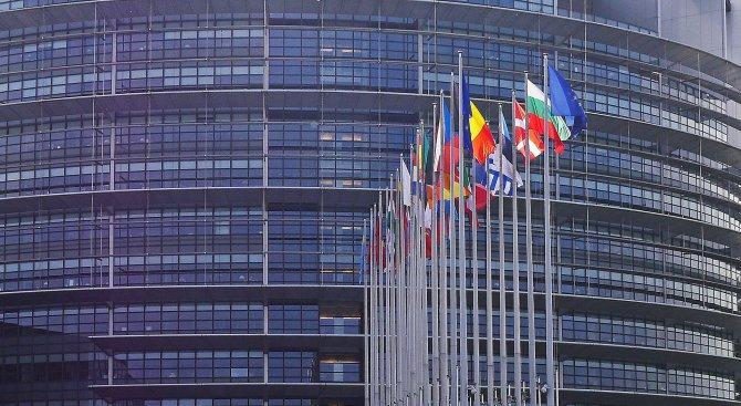 ЕП приветства словото на Юнкер за състоянието на ЕС