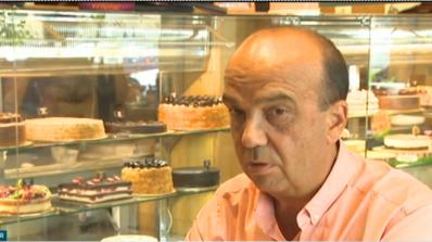 """Собственикът на сладкарници, събиращи такса """"нож"""": Доброто обслужване струва пари"""