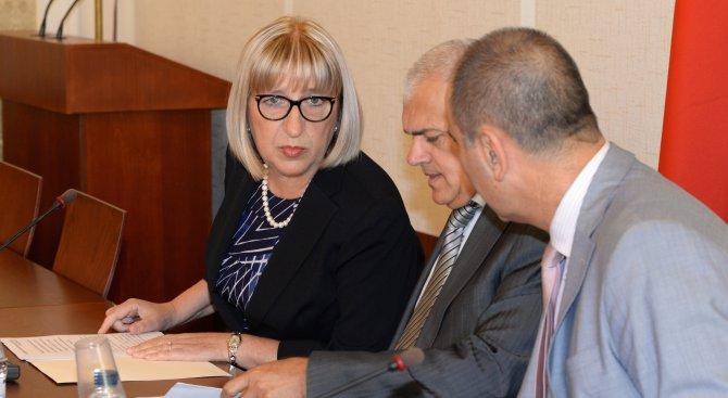 Министър Цачева представи програмата и приоритетите за председателството
