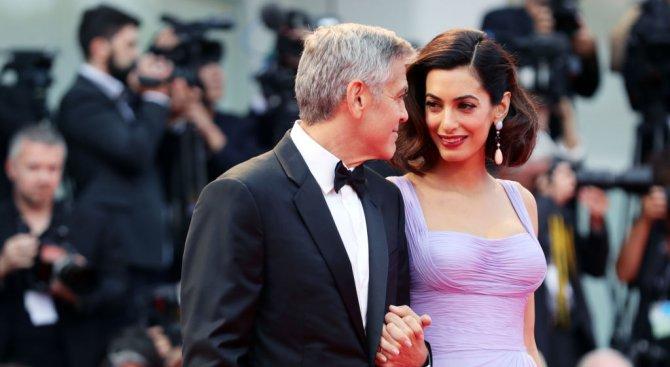 Само три месеца след раждането съпругата на Джордж Клуни отново е на работа