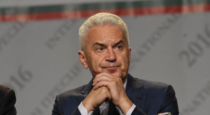 Сидеров подкрепи Симеонов: Призовавам го да не подава оставка