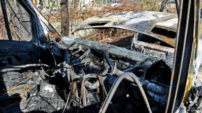 Газовата уредба на кола се възпламени, след като бе ударена от влак на жп прелез, има загинал (обнов