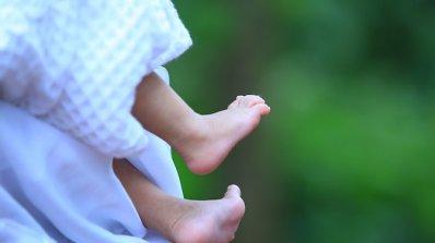 Жена роди в парк в Горна Оряховица, откриха бебето мъртво в багажник на кола