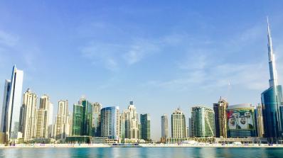 Британец беше осъден на затвор защото пипнал друг мъж в бар в Дубай