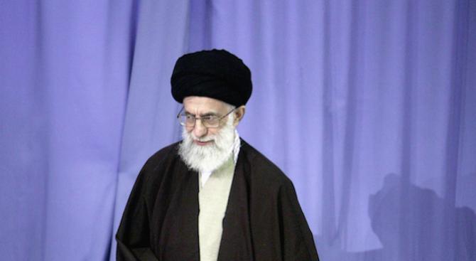 Ирански духовен водач: САЩ са наш враг номер едно