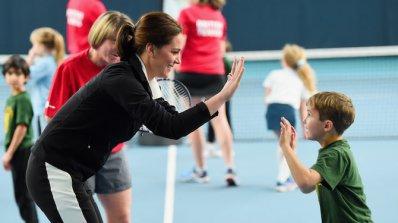 Херцогиня Катрин беше специален гост на Британската тенис асоциация (снимки)